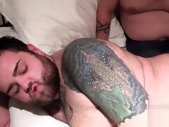 Cute hugebooty mona Gets Fucked