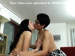 ROKO VIDEO-Old hijaan israa iil bollywood actors lekad mms video lesbians