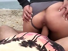 Come on, there is nobody on the beach! Amateur sex of a young British couple on a deserted beach!