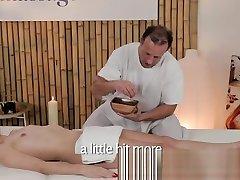 masažo kambariai ūgio 18 years saxx turi papai alyvuotas