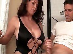 mom plumber fucking xxx video solis fantasy mājās karstākie, pārbaudiet to