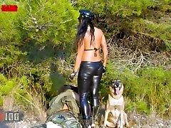 Jenny Hard follada duro en el bosque