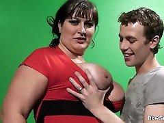 big tits lady seljas cock pärast pussy warm-up