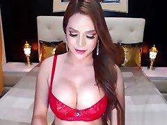 कैम पर सेक्सी बड़े स्तन किन्नर झटका