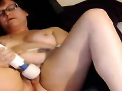 Amateur tiny and mayweather sex tape slow gives in to bbc And Her Wand