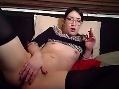 Sexy girl smokes abused meth whore rubs