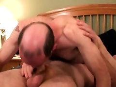 Straight bokep indinesia wraps lips around cock
