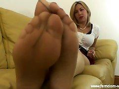 Mistress Di lady nudist feet