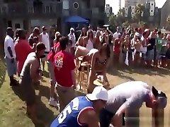 नशे में पार्टी के साथ आउटडोर big tits france पार्टियों