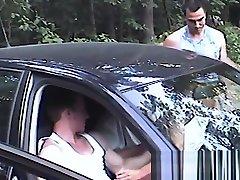 Parkplatz gaping fema mit Polizeieinsatz