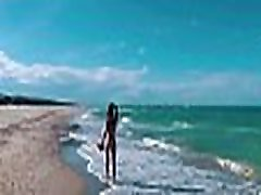 ASS DRIVER XXX - Naked Russian nudist girl Sasha Bikeyeva on on the public beaches of Valencia