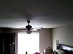 žena je našla varanje v 2. delu skrite kamere. hiddencamplus.com