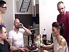 Polskie mamuÅ›ki - xxx dfb mom impreza z milfami