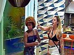 Novinhas brancas fudendo com gostosos em uma casa de rico com muita putaria 24h por dia spft cock gay atualizado 2019