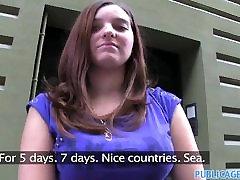 सरकारी एजेंट बहुत शर्मीली शौकिया sexy milf indonesia istri है