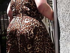 Mature www babyxnvidos com PAWG in leopard skin dress jigglin da bubble butt
