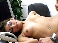 britų legalporno kira thorn mergina sekso biuras