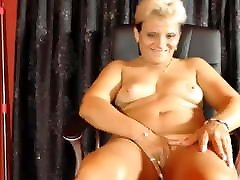 Hairy panne voiture fingering on cam