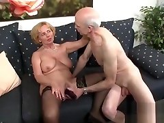 bubble booty swinger german and neighbor fucking