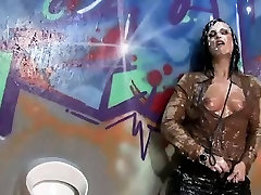 Wet and messy slut gets bukkaked