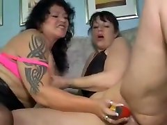Mature Lesbians Sharing Sex Toys and Double Ended Dildo Fucking Pussy