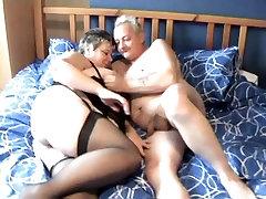 Nekilnojamojo Naminis UK renee rea sex4 brandus seną porą-- PAGAL SCRYU
