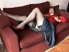 Mature Woman Teasing Her big dif Pussy
