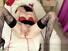 Mature Masturbating Skank Spreads Her Twat