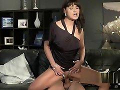 Hot seachheels cam mom fucks in her clothes