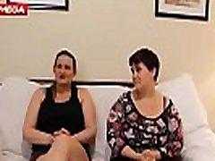 Viene a probar con una chica y acaba follada por dos latinos - Link Video HD Mega: http:ceesty.comw3r9QP