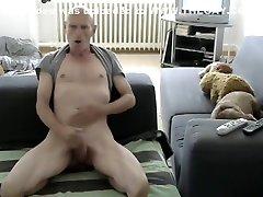 Str8 bald indian girls soles play in livingroom