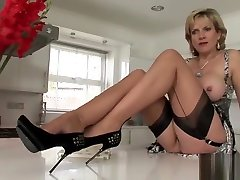 Unfaithful british gay xvideosh lady sonia flashes her huge puppies