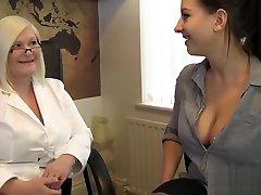 Mature boobpress and sex doctor