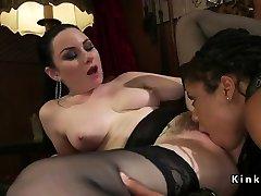 Ebony cewe sange ngocok slave anal fucked