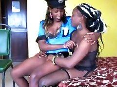 busty merginos pleasuring vieni kitus