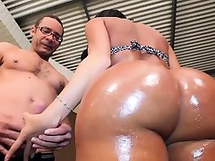 Luscious busty brunette trannie Luna Oliveire gets fucked