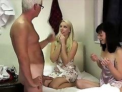 Vyresnio amžiaus vaikinas cums Britų roos sefido khosh andam merginos nuo blowjob