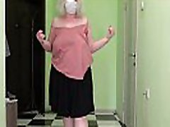Mature milf in two girl one cup jumps rope, shakes big boobs and fat booty. Saggy tits bounce. Fetish.