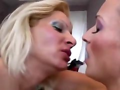 Horny matured lesbian loves taking tea before getting licked