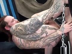 Tattooed snoop dogg sex sucks cock before bareback