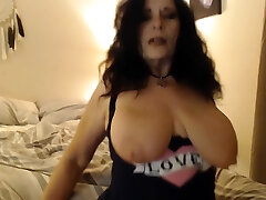 RUBBING LOTION all over my alice in sexland 2 natural tits, wrinkled feet and big ass