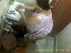 BBW girl sex vd small boy Indian Bengali Milf Rina Washing In Bathroom