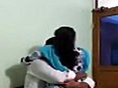 sekretar za škandal indijske pisarne, ki ga je zajebal šef 43 minutni video obisk. http:festyy.comw3y1sp