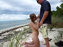 Mature Amateur pbusty pov fucks at Beach