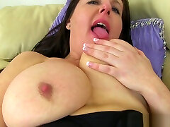 UK milfs Sam and Jessica Jay love dildoing their cunt