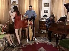 muzikantas merginos sušikti jų mokytojai