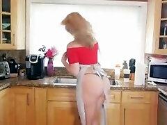 Alexis Texas Shows Off Biggest sister fat massage Ass