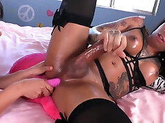FFF ladyboy bonks oriental girl In come out of vagina With cum Countdown