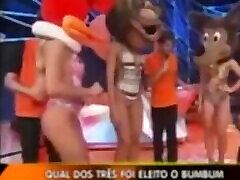 ब्राजील के टीवी शो लीजेंड-चेहरे में विचित्र महिला nice ass nalgona 2011