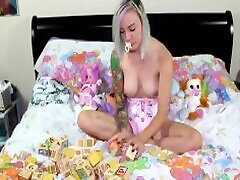 little abdl playing :